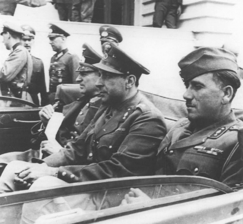 Греческие и немецкие офицеры на переговорах о капитуляции греческой армии. Апрель, 1941 г.