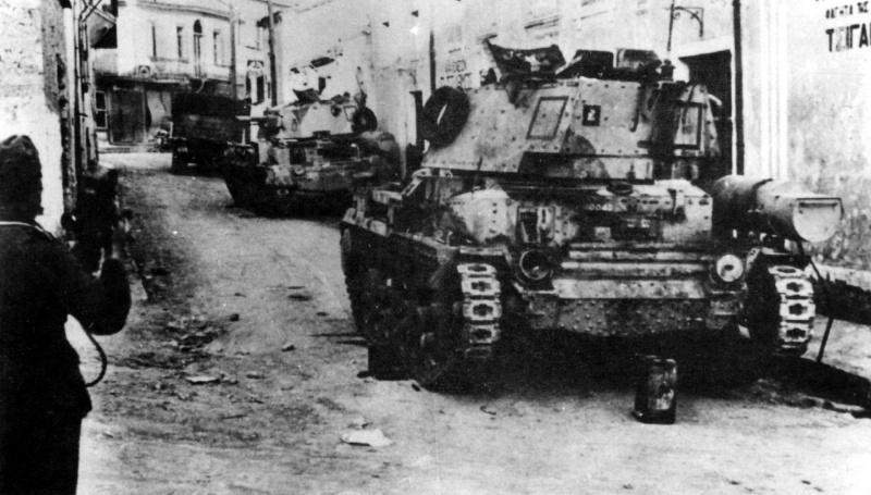 Брошенные при отступлении британские танки Mk.II. Апрель, 1941 г.