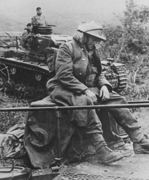 Новозеландский пленный солдат в немецком плену. Албания. Апрель, 1941 г.