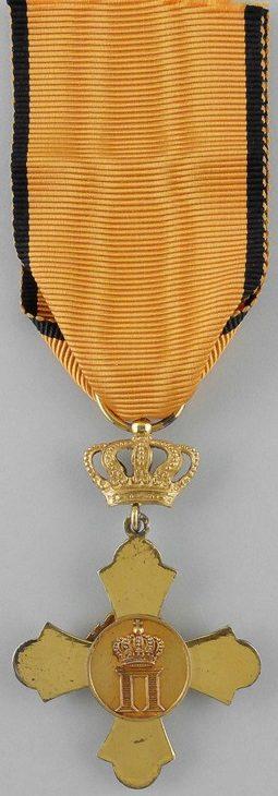 Аверс и реверс Офицерского золотого креста ордена Феникса.