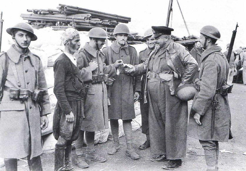 Греческие солдаты на Крите, перед вторжением немцев. Май, 1941 г.