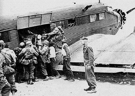 Погрузка десанта. Май, 1941 г.