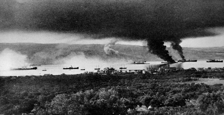Британские корабли ведут бой за Крит. Май, 1941 г.