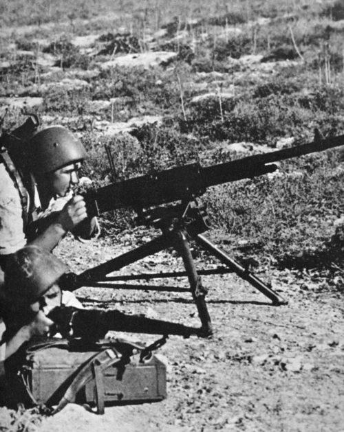 Итальянские морские пехотинцы на острове Крит. Май, 1941 г.