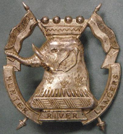 Знак на шляпу военнослужащих 16-го полка легкой кавалерии.