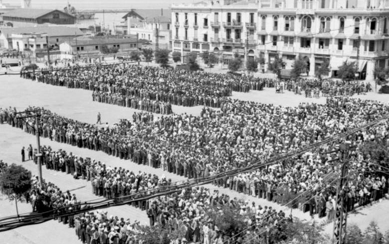 Сбор евреев в Салониках перед депортацией. Июль, 1942 г.