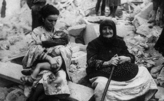 Разрушенное жилье греков. 1943 г.