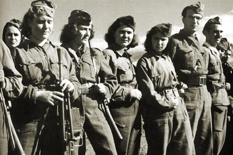 Греческие партизаны из Национально-освободительного фронта. 1944 г.