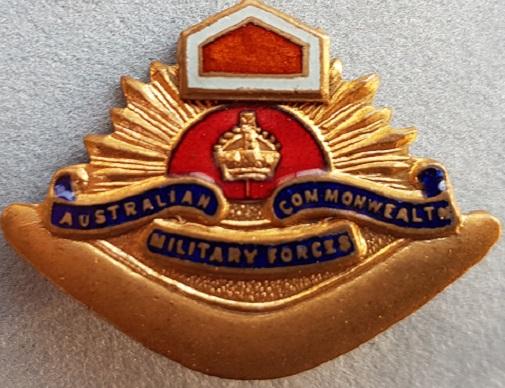Знак на шляпу военнослужащих 1-й Австралийской бронетанковой дивизии.