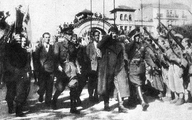 Отряды ЭЛАС во главе с Маркосом Вафиадисом входят в Салоники. 30 октября 1944 г.