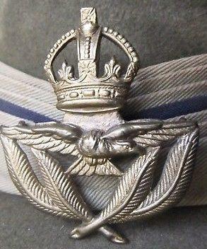Знак прапорщика RAAF 2-го класса.