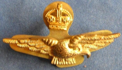 Золотой знак офицера RAAF.