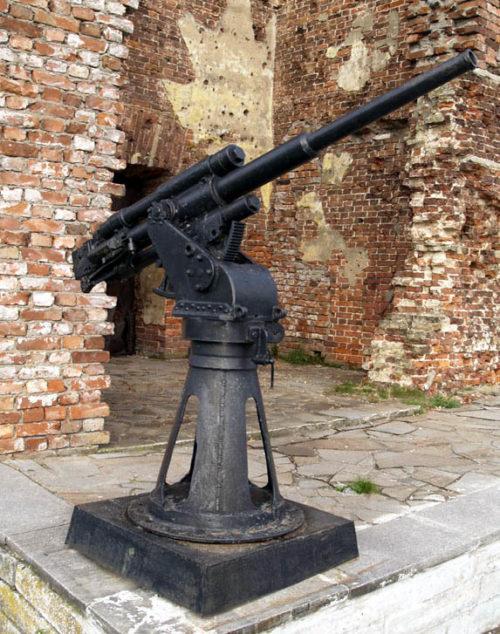 Памятник-орудие - 45-мм корабельная пушка 21-К.