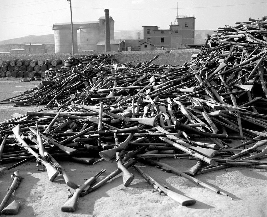 Сданное ЭЛАС оружие. Весна 1945 г.