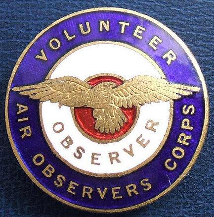 Аверс и реверс знака наблюдателя VAOC - добровольных воздушных наблюдателей.