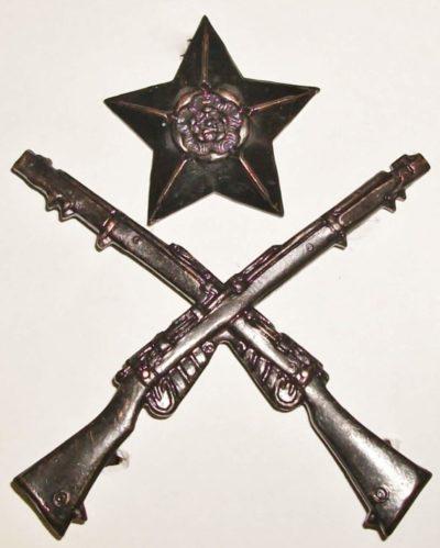 Знак лучшего стрелка среди сержантов.