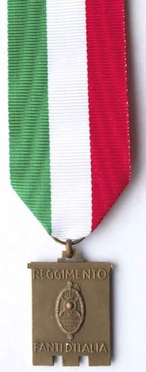Аверс и реверс памятной медали национального сбора пехотинцев. Комо. 1939 г. Медаль изготовлена из бронзы, размер - 23х30 мм.