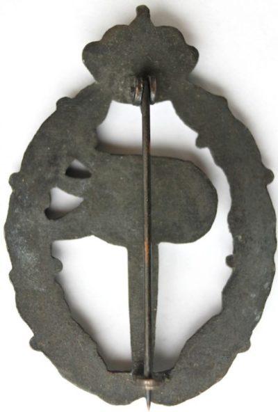 Аверс и реверс знака наблюдателя в серебре. Королевство.