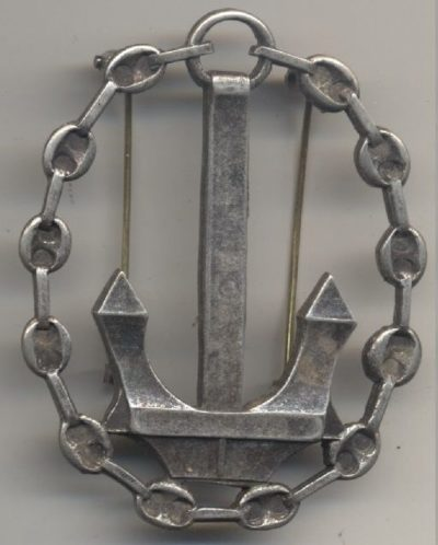 Аверс и реверс почетного знака моряков Королевского флота.