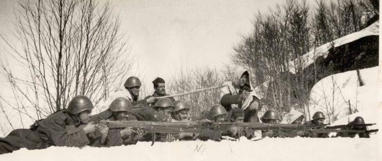 Греческие солдаты во время итальянского наступления. Март 1941 г.