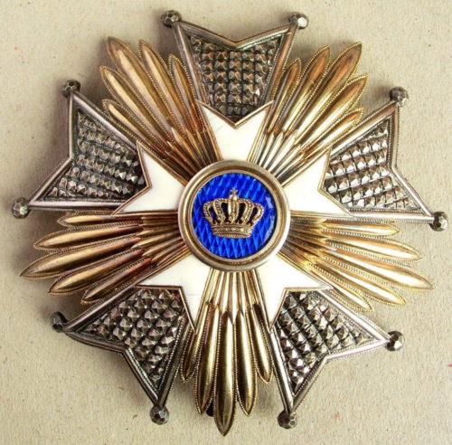 Аверс и реверс звезды степени Великий офицер.