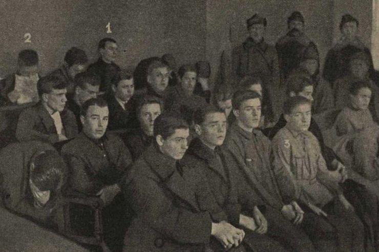 Обвиняемые «Чубаровского» дела вовремя судебного заседания. Декабрь 1926 г.