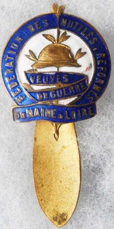 Аверс и реверс знака ассоциации ветеранов департамента Maine-et-Loire.