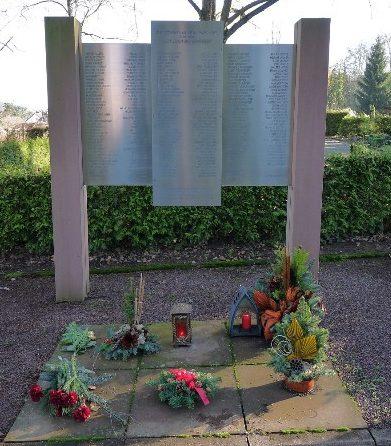 г. Грётцинген. Памятник погибшим землякам в обеих мировых войнах.