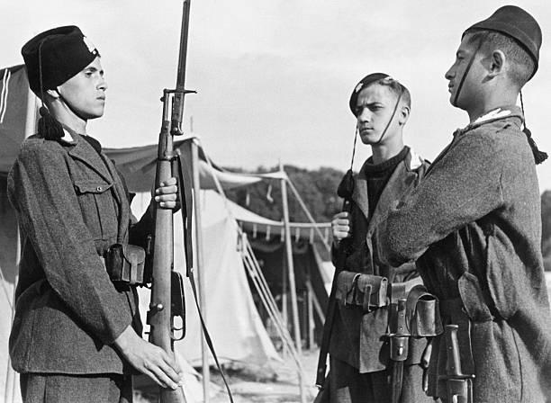 Молодые итальянские фашистские в карауле. Август 1941 г.