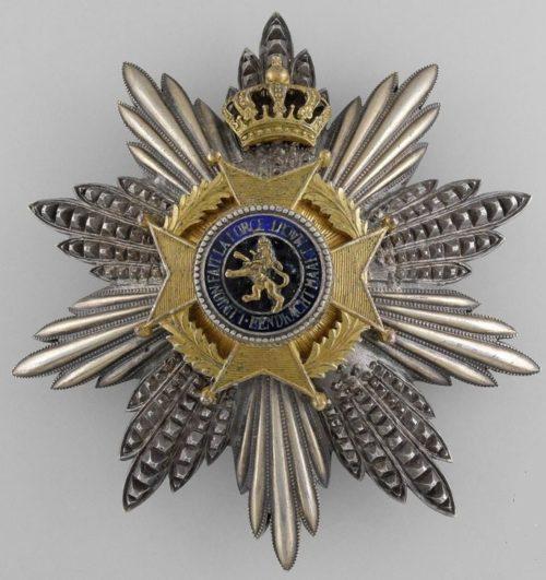 Аверс и реверс звезды ордена степени Большой крест.