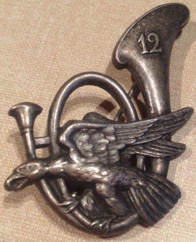 Аверс и реверс знака 12-го батальона егерей.