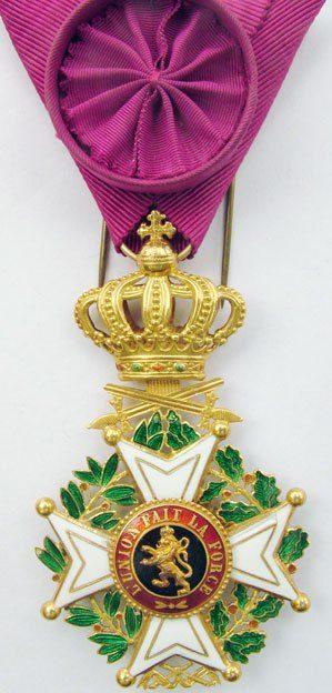 Знак Офицера Ордена Леопольда I с мечами.