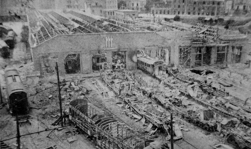 Разрушенное депо сортировочной железнодорожной станции. Июнь 1943 г.