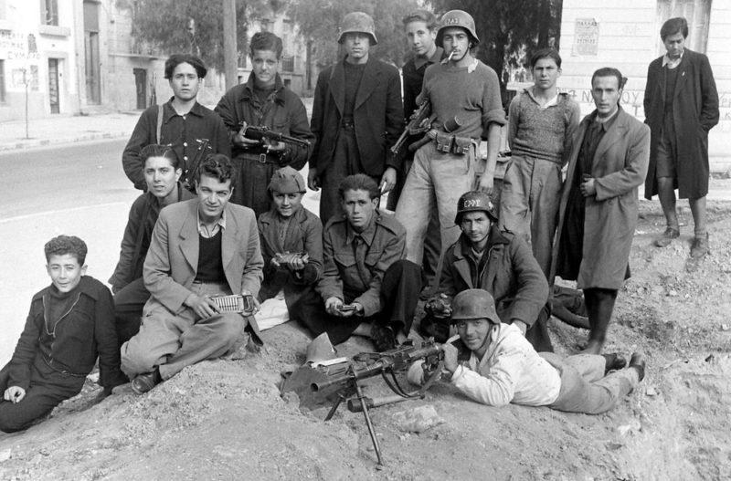 Бойцы ЭЛАС в Афинах. Декабрь 1944 г.