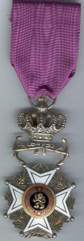 Аверс и реверс знака Кавалера Ордена Леопольда I с якорями.