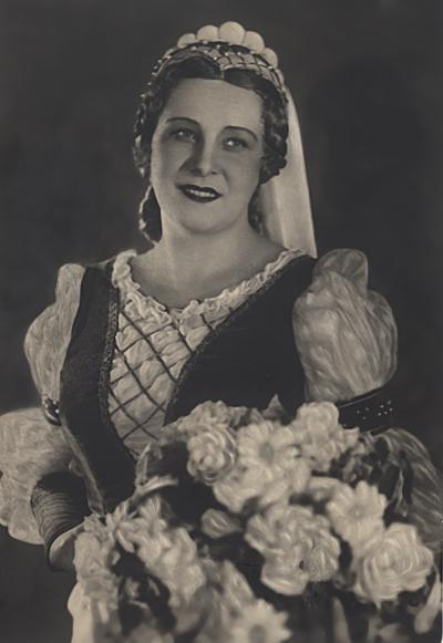 Наталия Шпиллер в партии Маргариты в опере «Фауст».
