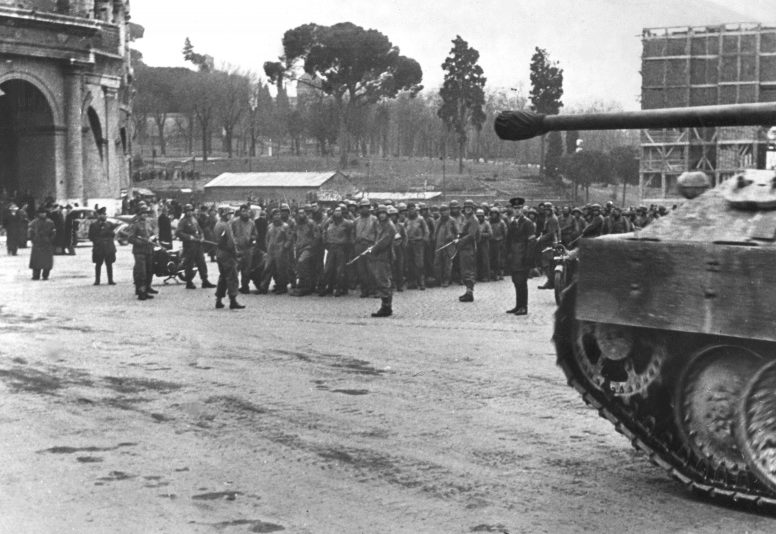 Военнопленные союзники в Риме. Февраль 1944 г.
