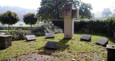 Муниципалитет Нойстеттен р-н Вольфенхаузен. Памятник погибшим землякам во Второй мировой войне.