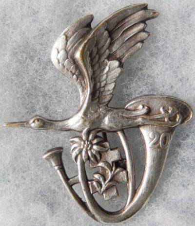 Аверс и реверс знака 20-го батальона егерей.