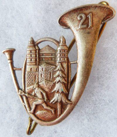 Аверс и реверс знака 21-го батальона егерей.