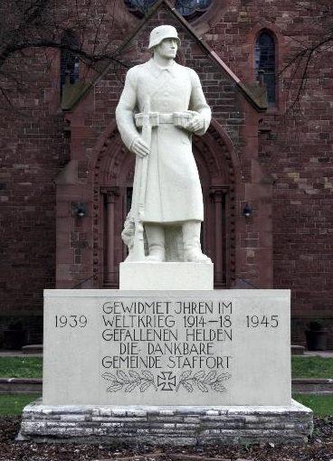 Коммуна Стаффорд. Памятник землякам, погибшим в обеих мировых войнах.