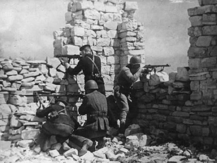 Советская оборона у Инкермана. Июнь 1942 г.
