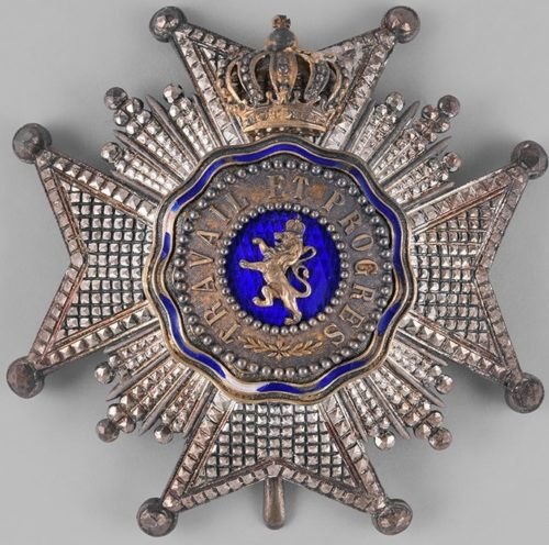 Аверс и реверс звезды Великого офицера Королевского ордена Льва.