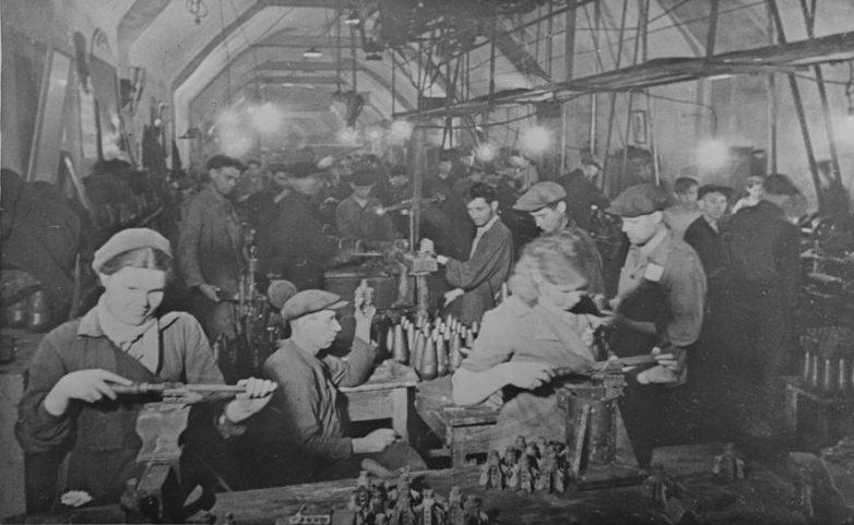 Цех подземного военного спецкомбината №1. Июнь 1942 г.