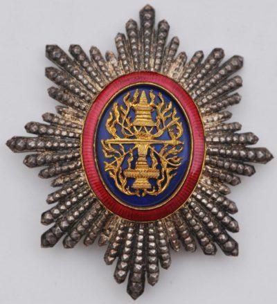 Вариант звезды с позолоченным медальоном.