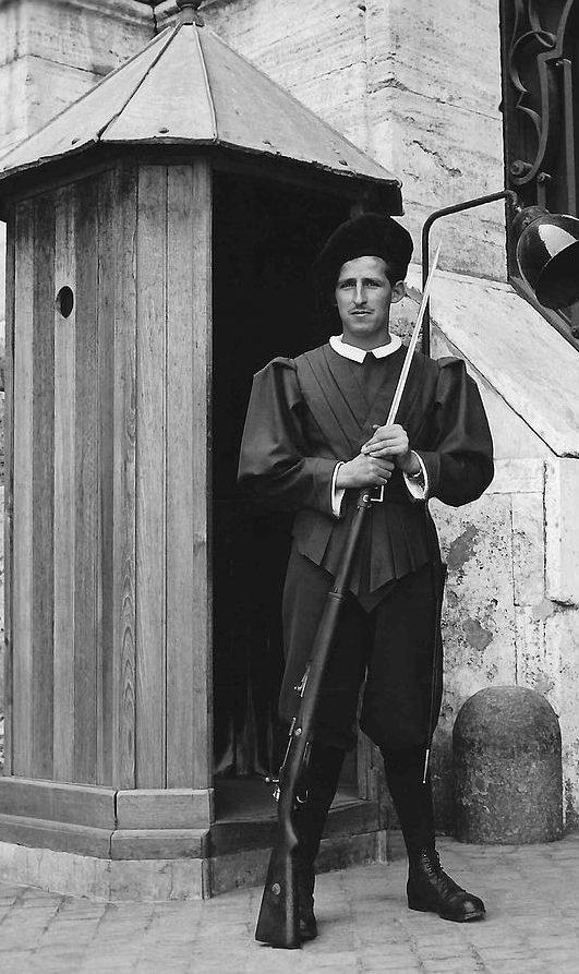 Ватиканская гвардия. 1944 г.