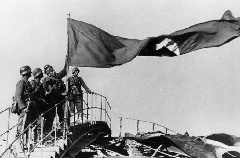 Немцы входят в город. Июль 1942 г.