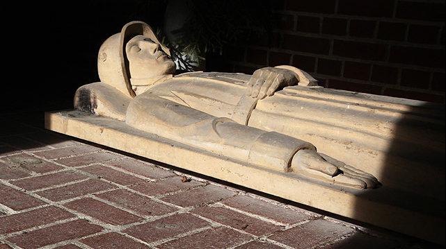 г. Бишофсгрюн. Памятник павшим немецким солдатам в обеих мировых войнах.