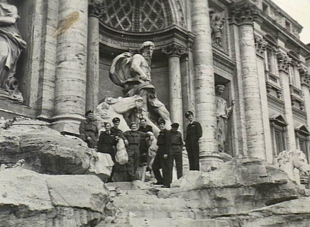 Американские летчики в Риме. Апрель 1945 г.