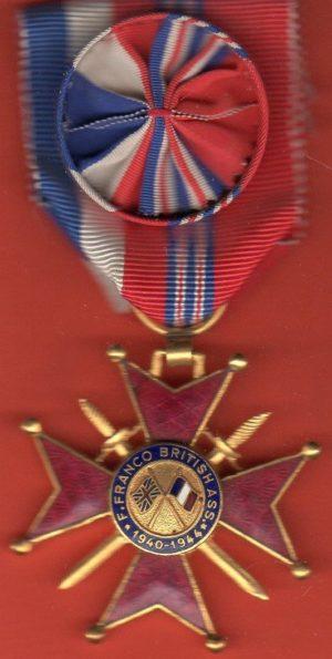 Знак Офицера Почетного креста Ассоциации Франко-Британской дружбы.